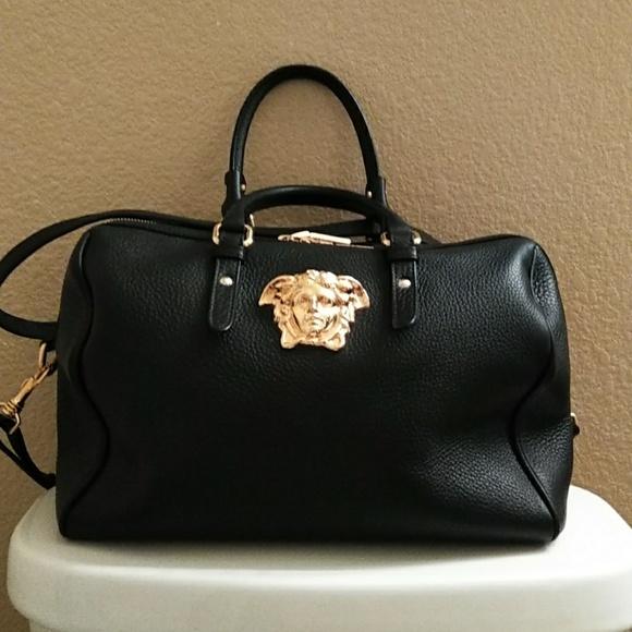 Versace medusa head leather handbag crossbody. M 5b934b508ad2f9533324803a 7796f4bea0